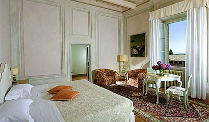 Special Deluxe Room Hotel Locanda dell'Amorosa - Boutique Hotel in Sinalunga -  Siena, Tuscany, Italy