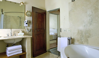 Luxury Apartment Locanda dell'Amorosa Tuscany, Italy
